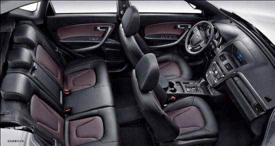 配置方面,新车装配有正/副安全气囊,电子驻车系统,儿童座椅